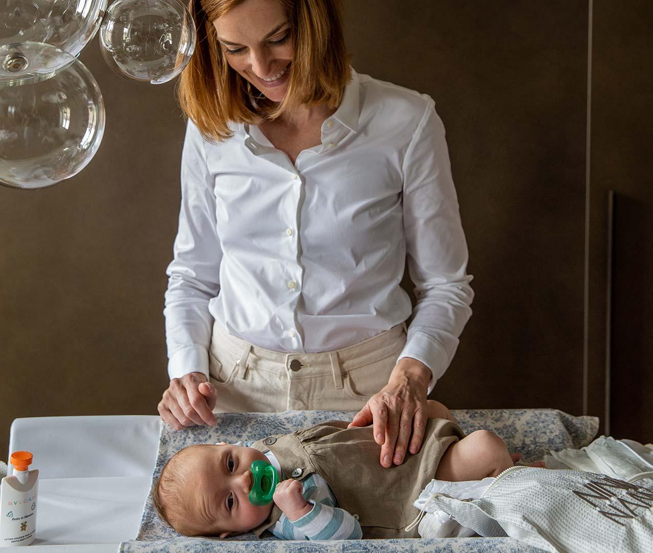 Borsa ospedale Solferina con sacchettine per organizzare ciò che serve per il parto